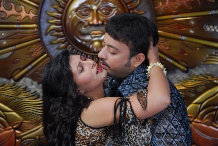 Vinta Kapuram Movie Exclusive Hot Spicy Still