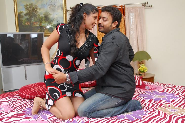 Vinta Kapuram Movie Exclusive Hot Still