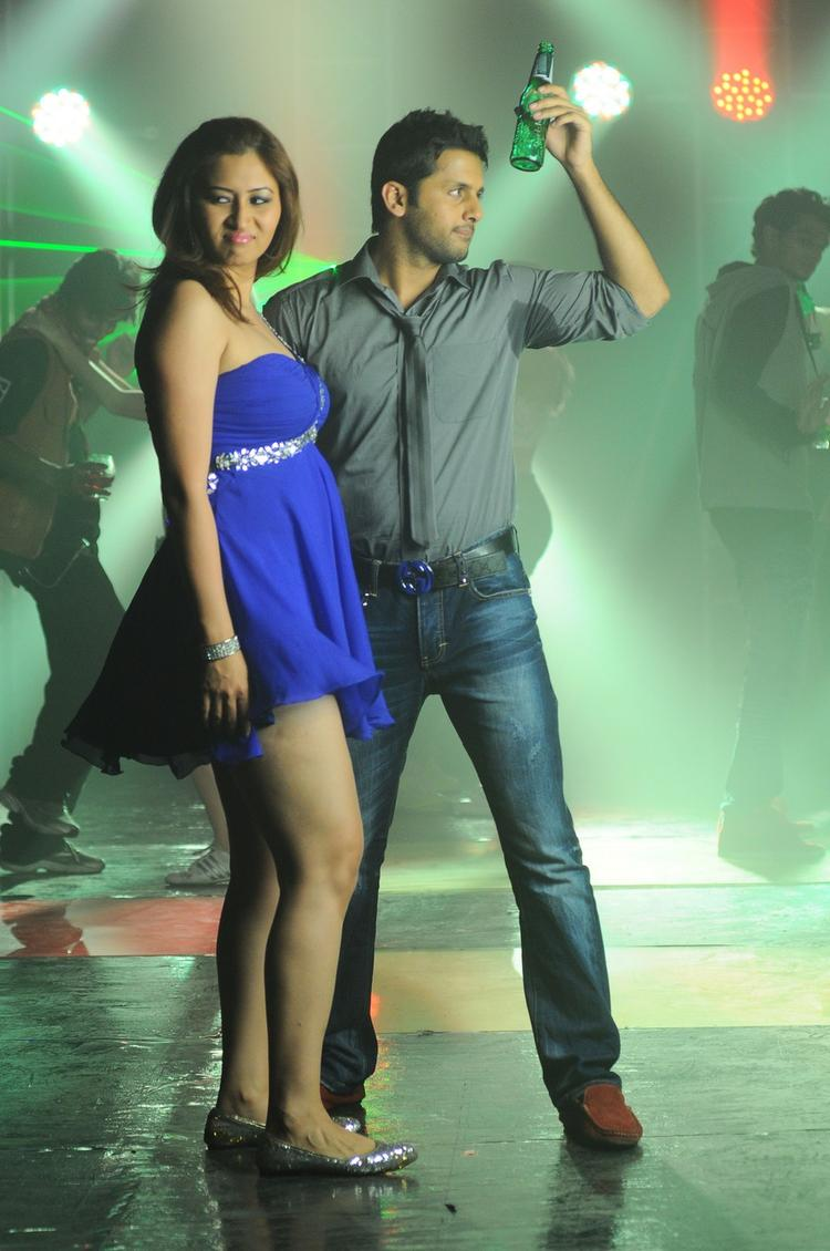 Nitin And Jwala Spicy Pose Photo Still From Gunde Jaari Gallanthainde Item Song