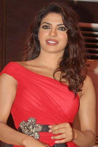 Priyanka Looked Sizzling At Launch Of Babli Badmaash Song