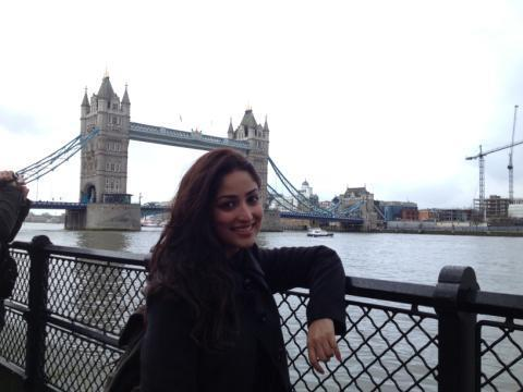 Yami Beautiful Photo Still At London In A Day Out From Shooting Of Aman Ki Aasha