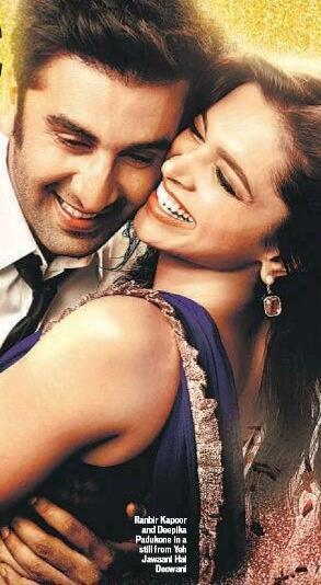 Ranbir And Deepika Romantic Cool Look In Yeh Jawaani Hai Deewani Movie Poster