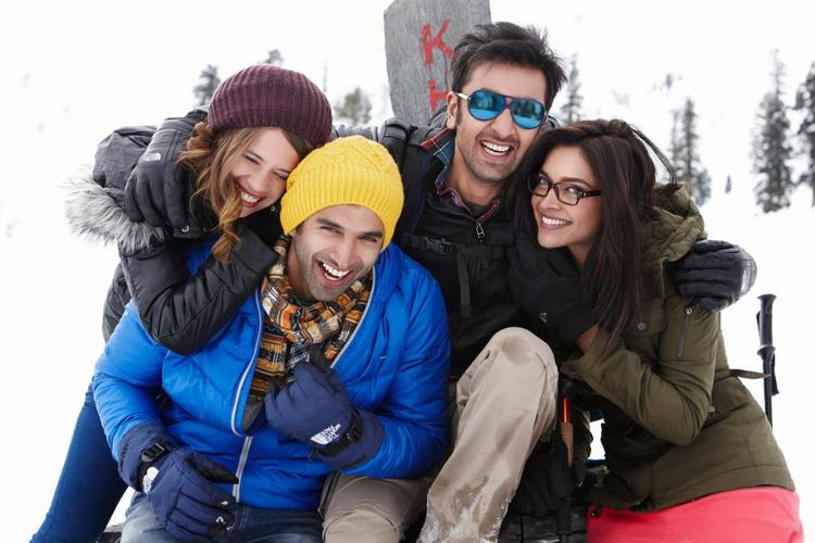 Ranbir,Deepika And Kalki Smiling Look Still From Yeh Jawaani Hai Deewani Movie