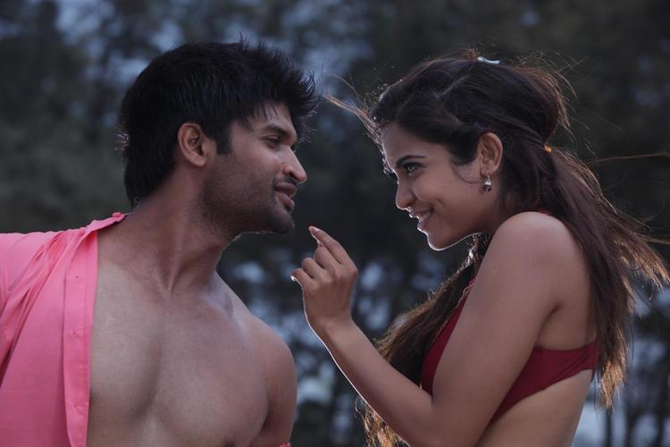 Kamal And Srilekha Romance Photo Still From Movie Aravind 2