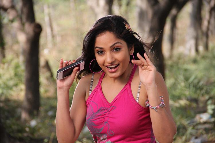 Madhavi Latha Crazy Look Photo Still From Movie Aravind 2