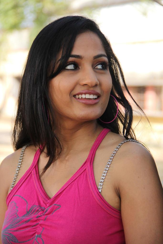 Madhavi Latha Hot Gorgeous Photo Still From Movie Aravind 2