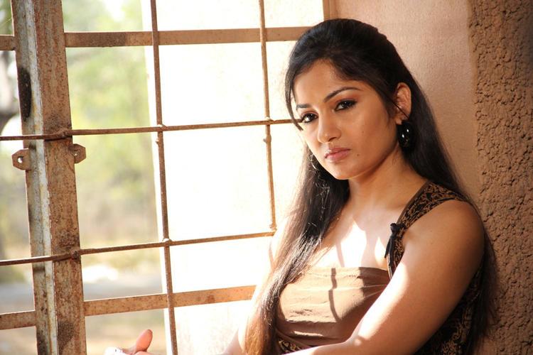 Madhavi Latha Stunning Look Photo Still From Movie Aravind 2