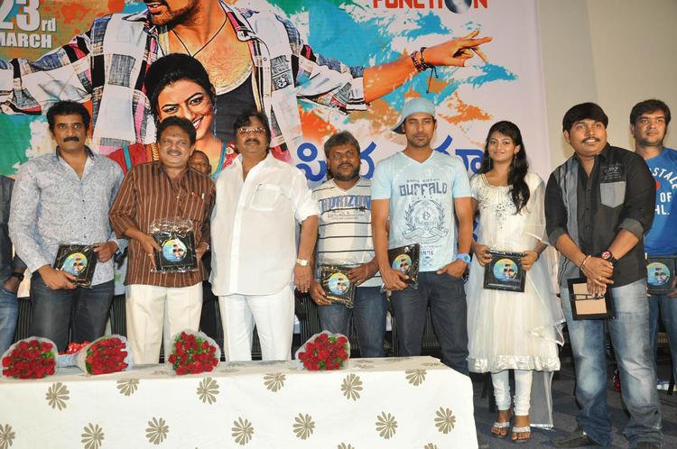 Ramesh,J.Sambasiva,Dasari,Varun And Rakshita Posed For Photo At PNK Movie Platinum Disc Function