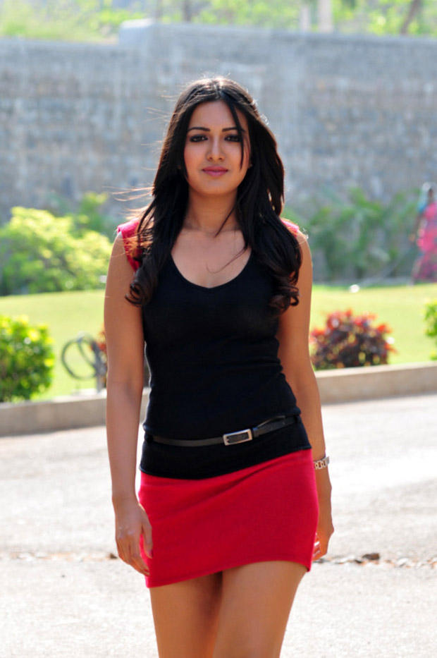 Katherine Hot Look Photo Still From Movie Chammak Challo