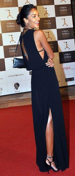 Lisa Haydon Nice Pose In Red Carpet At Loreal Femina Women Awards 2013