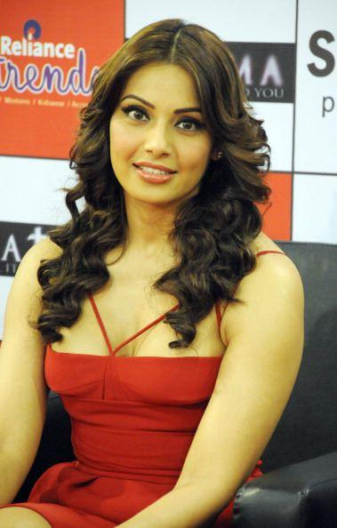 Bipasha Basu Dazzling Sexy Look In Red Dress At Ambience Mall