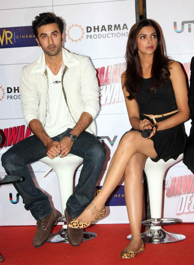 Ranbir And Deepika Sexy Look Photo Clicked At Trailer Launch Of Yeh Jawaani Hai Deewani