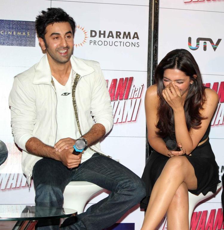 Ranbir And Deepika Smiling Photo Clicked At Trailer Launch Of Yeh Jawaani Hai Deewani