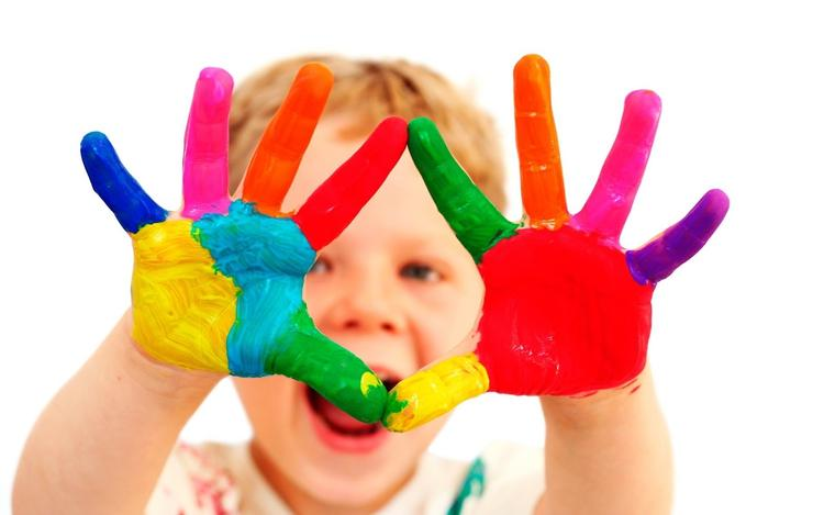 A Kid Colored His Hands Holi Photo Wallpaper