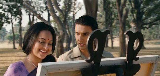 Ranveer And Sonakshi Cute Smiling Photo Stills From Lootera