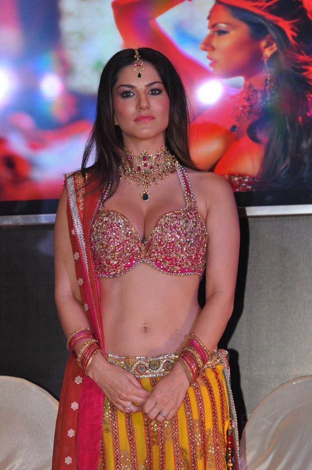 Sunny Leone Navel Show Sexy Hot Look At Shootout At Wadala Promotion Event