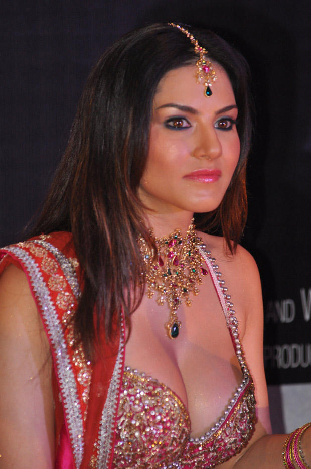 Sunny Leone Sizzles At Shootout At Wadala Promotion Event