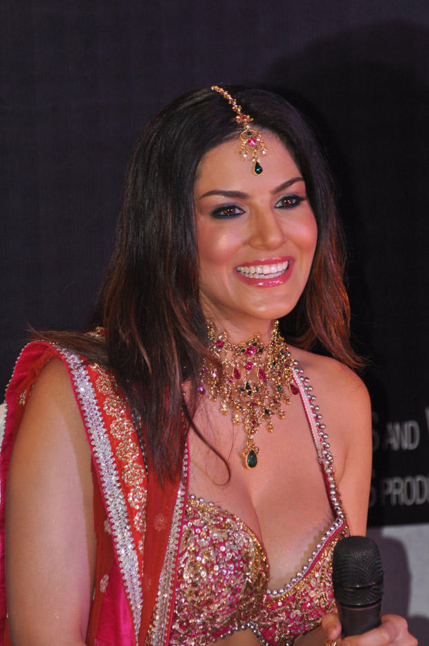 Sunny Leone Smiling Look At Shootout At Wadala Promotion Event