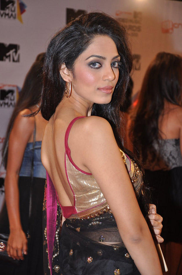 A Celeb Posed At MTV Video Music Awards 2013