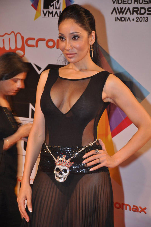 Sofia Hayat Sexy Look At MTV Video Music Awards 2013