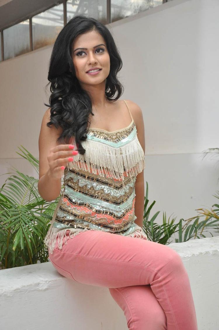 Sharmila Mandre Dazzling Face Look Still