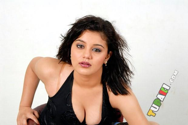 Roshitha Sexy Expression Photo Shoot In A Black Costume