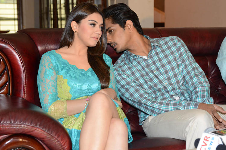 Hansika And Siddharth Conversation Photo Clicked At Something Something Movie Press Meet