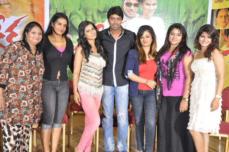 Allari,Sharmila,Kiran,Tharika,Jyothi And Apoorva Pose For Photo At Kevvu Keka Movie Press Meet