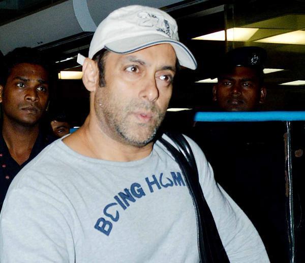 Salman Snapped At Airport Returning From Medical Checkup