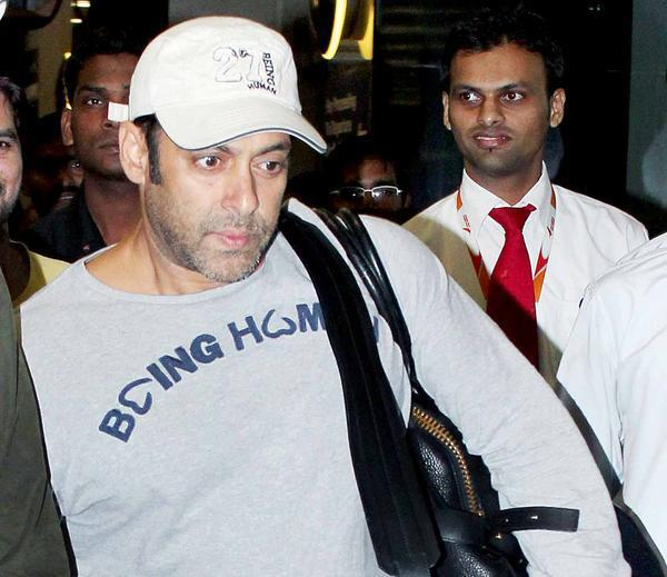Salman Spotted At Airport Returning From Medical Checkup