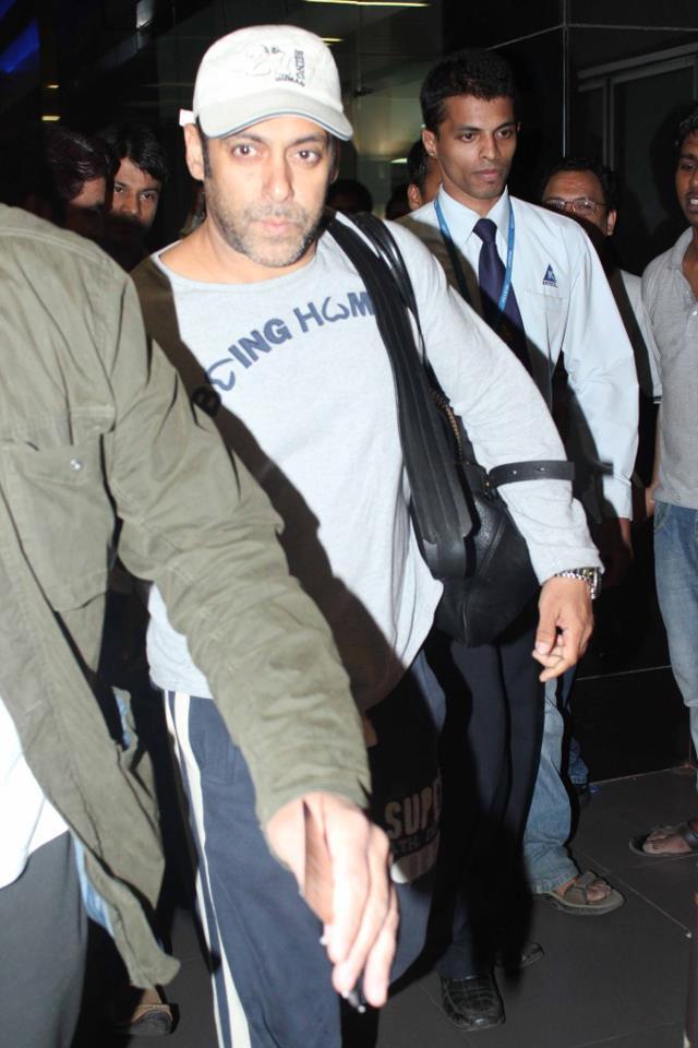 Salman Walking Photo Clicked At Airport Returning From Medical Checkup