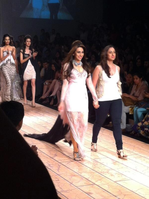 Karisma Walks The Ramp With Designer Shehla At Lakme Fashion Week 2013
