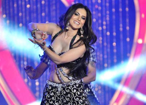 Sunny Sizzling Performance At Shootout at Wadala Music Launch