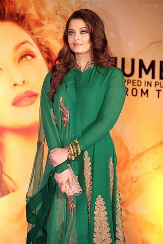 Aishwarya Lokked Beautiful At Kalyan Jewellers Press Conference