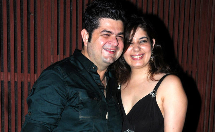 Dabboo With Wife Manisha Smiling Pose At Kangna Ranauts Birthday Bash