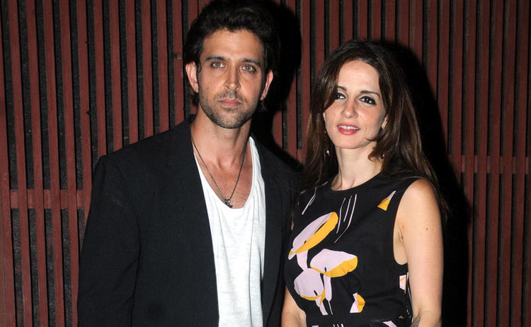 Hrithik With Wife Sussanne Posed For Camera At Kangna Ranauts Birthday Bash