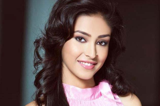 Navneet Kaur Dhillon Dazzling Beautiful Look Still