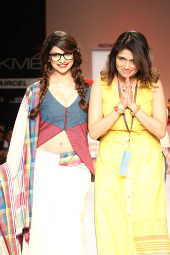 Prachi And Shruti On RampPhoto Clicked At Lakme Fashion Week