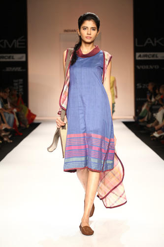 A Sexy Model Walks On Ramp For Shruti Sancheti At Lakme Fashion Week