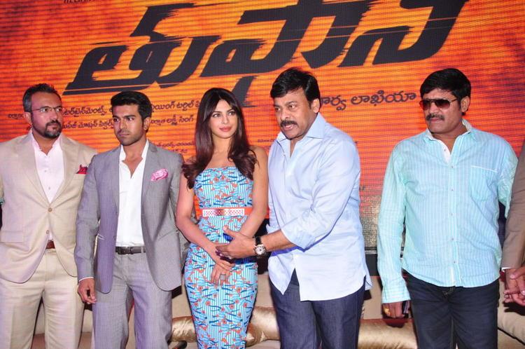 Apoorva,Ram Charan,Priyanka,Chiranjeevi And SriHari Posed For Camera At Toofan First Look Trailer Launch Event