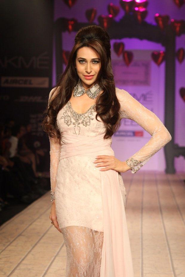 Karisma Kapoor On The Ramp At Lakme Fashion Week Summer Resort 2013