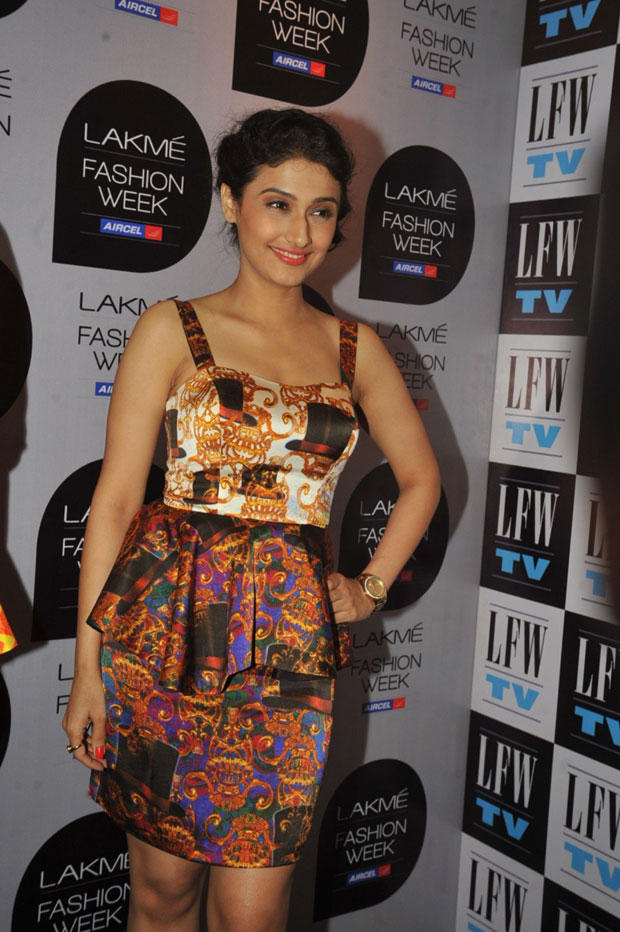 Ragini Khanna Cute Smiling Look At Lakme Fashion Week Summer Resort 2013