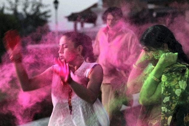 Veena Malik Plays With Colors At Rang De Colors Holi Party 2013
