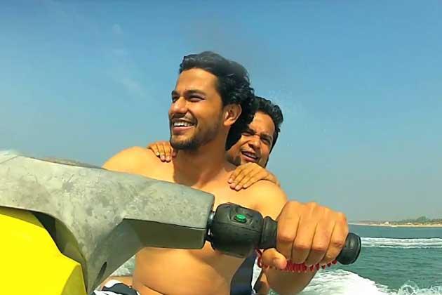 Kunal Khemu Cool WIth A Bike Still From Go Goa Gone Movie