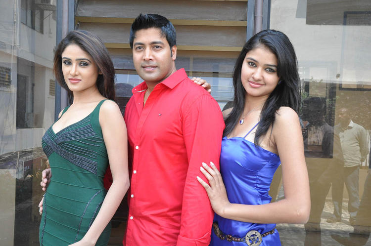 Sony,Jai Akash And Simran Posed During The Mr Rajesh Press Meet Event