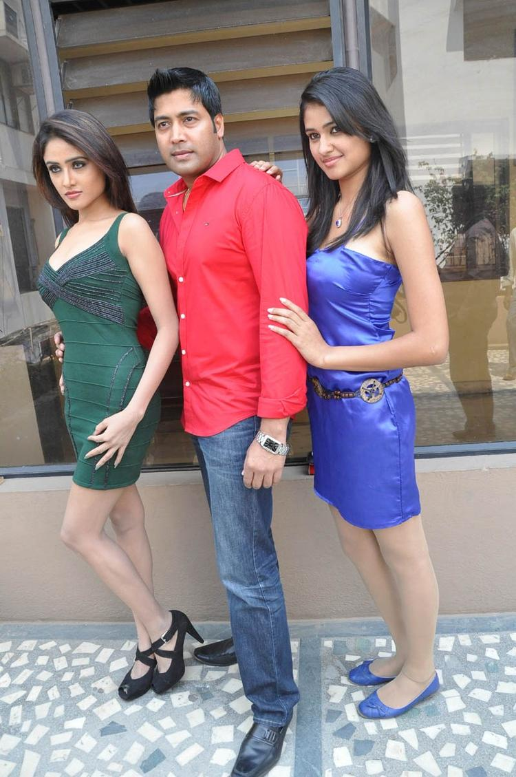 Sony,Jai Akash And Simran Posed At Mr Rajesh Press Meet Event