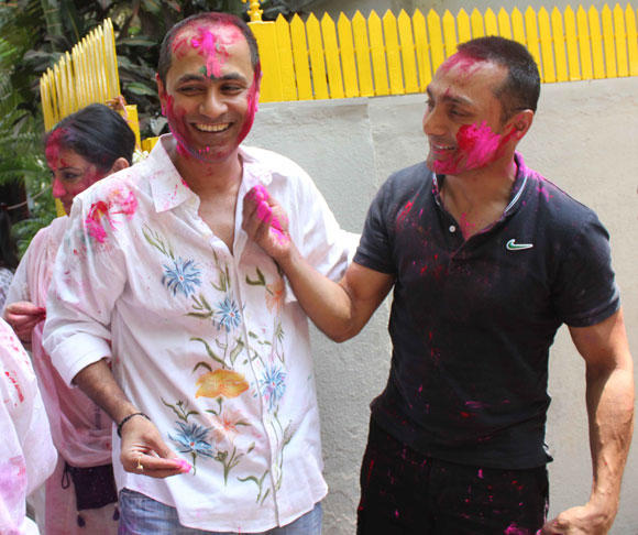 Rahul Bose Celebrate Holi At Shabana Azmi And Javed Akhtar Holi Celebration 2013