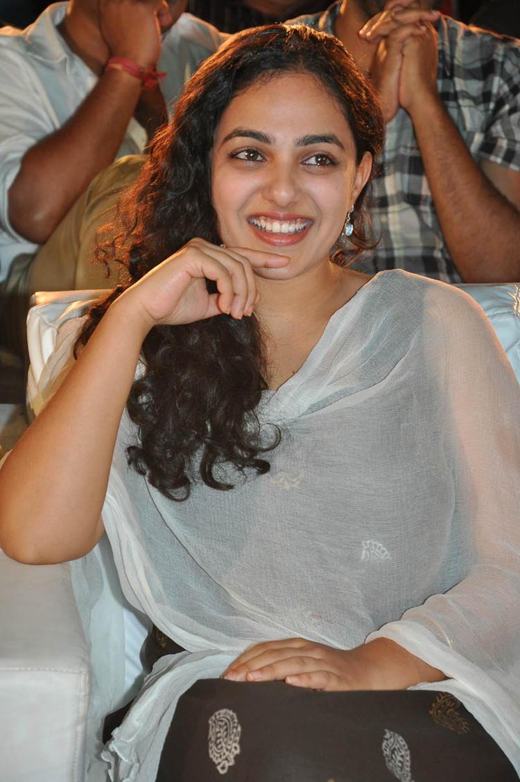 Nithya Menen Nice Cool Look Still At Gunde Jaari Gallanthayyinde Movie Audio Release Function