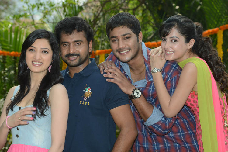 Richa,Sethu,Disha And Prince Cosy Pose For Camera At Full House Entertainments Movie Launch