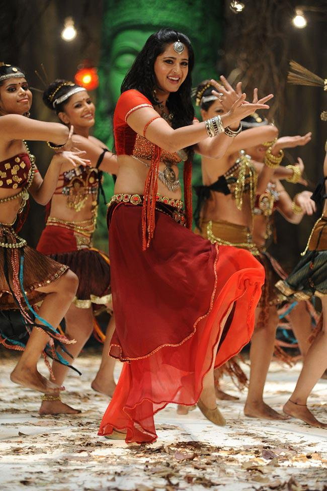 Anushka Shetty Dancing Photo Still From Movie Mirchi